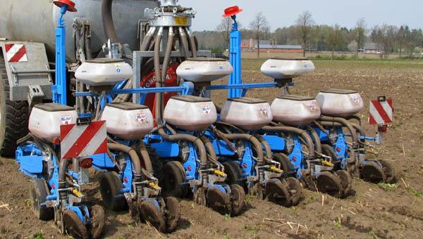 Reihendüngung Maissämaschine